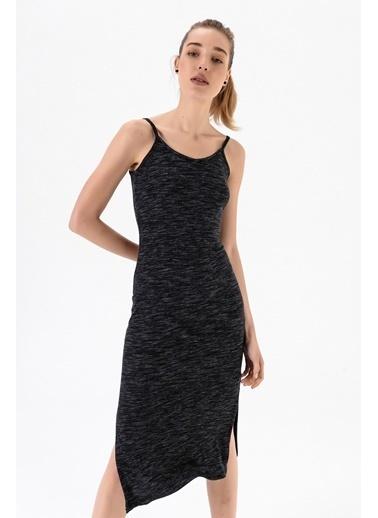 Emjey Askılı Yırtmaçlı Elbise Siyah